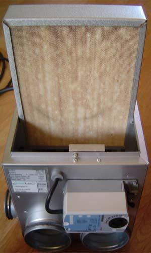 Här ses sorptionsblocket/kassetten halvt uppdragen ur PD-250.