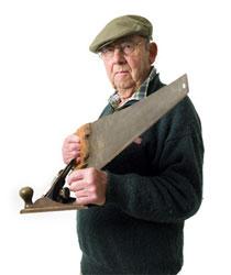 Den äldre snickaren talar ut om dagens hus