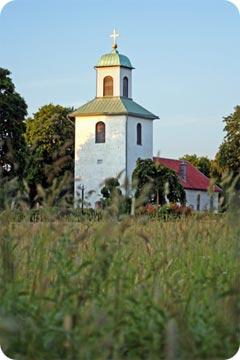 En kyrka med krypgrund och fuktskada