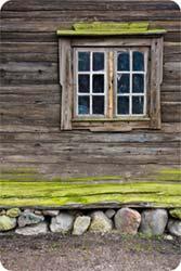 Bild på hus med torpargrund som var föregångare till krypgrund