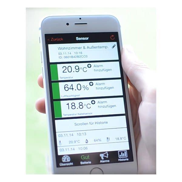 Via TFA molntjänst och app hämtas värden från husets hygrometer och fjärrsensorer